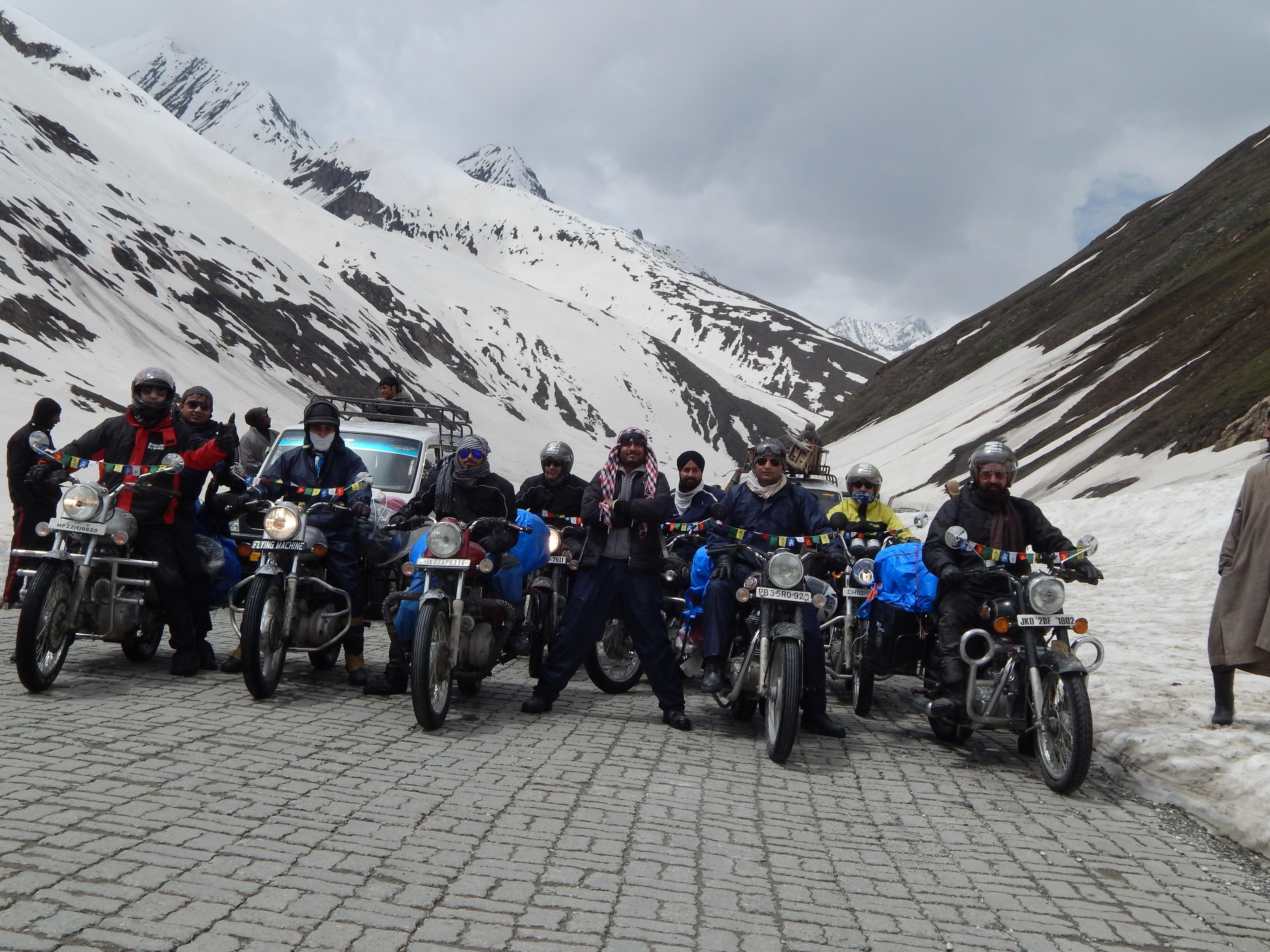 Employees Road Trip from Jammu to Leh